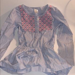 Girl's Carter Sear Sucker Top with a cinched waist